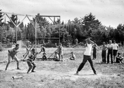 Années '50. Le terrain de baseball qui est actuellement le terrain de soccer. C'était l'une des activités les plus fréquentes jusque dans les années '70