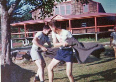 Années '60. Combat de couvertes