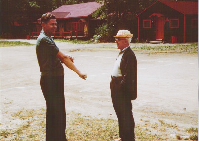 1960. Gaston Lapointe et le père Clark