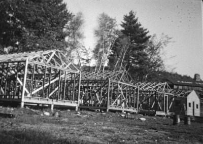 1954. On bâtit les nouvelles cabines