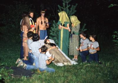 1980. Ce fut l'année où on fêta les 300 ième anniversaire de la mort de Katéri. Il eut une grande soirée où l'on raconta la vie de Kateri
