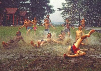 1989. La pluie ne nous empêchait de s'amuser!