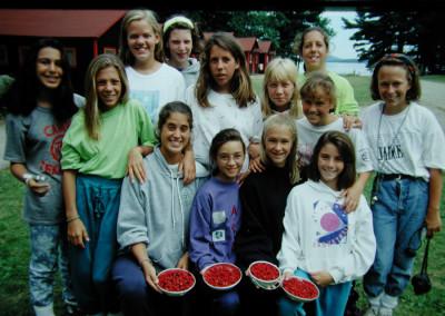 1991. Une belle récolte de framboises. - Catherine Ricard